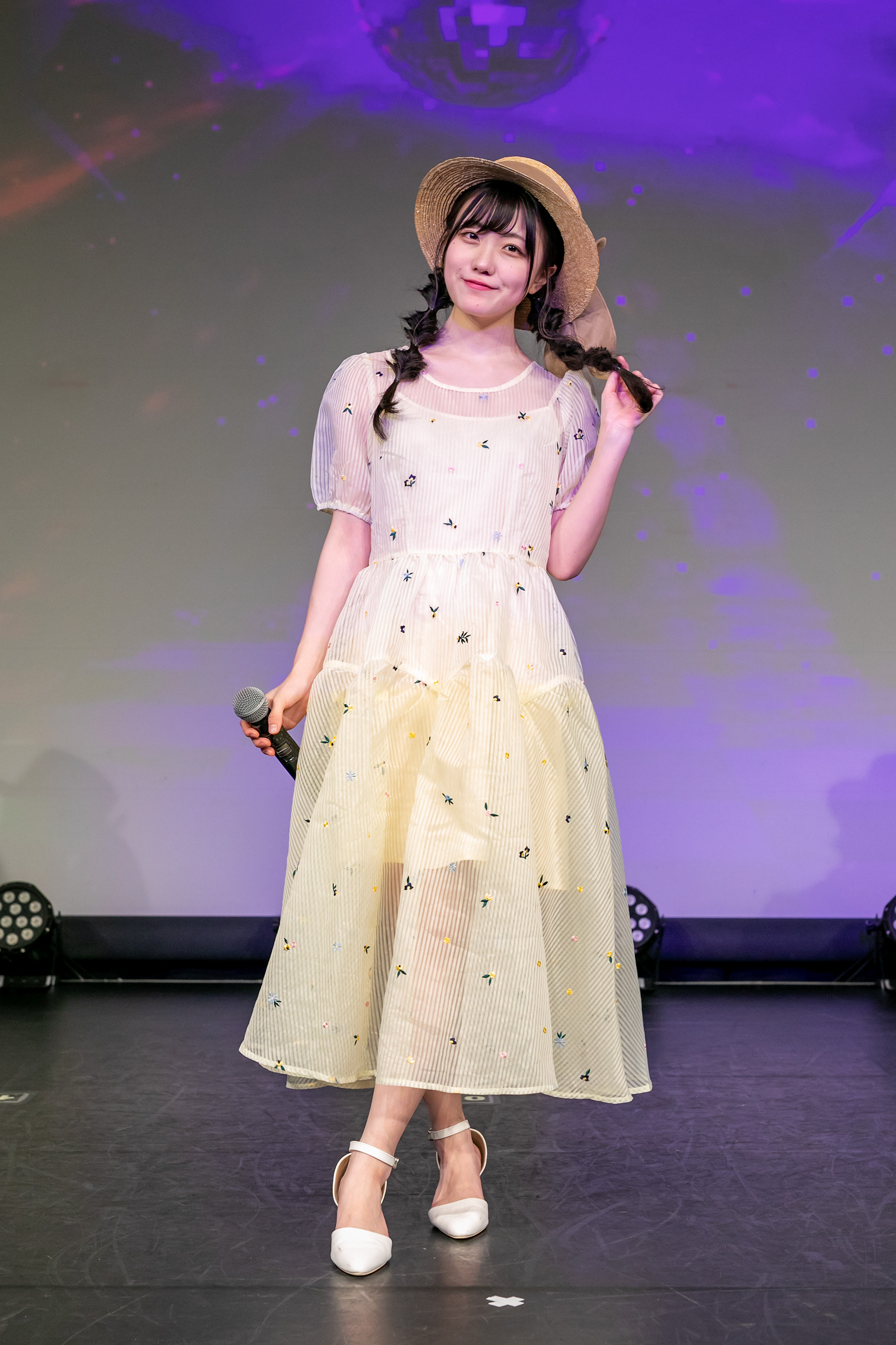 Nazuna Higuchi from SUPER GiRLS