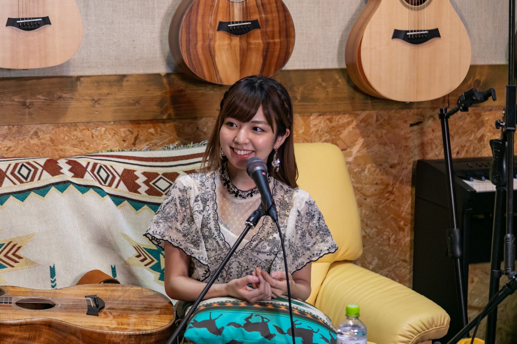 "Maaya Takeda was on Taylor Guitars Roadshow ""Home Edition"""