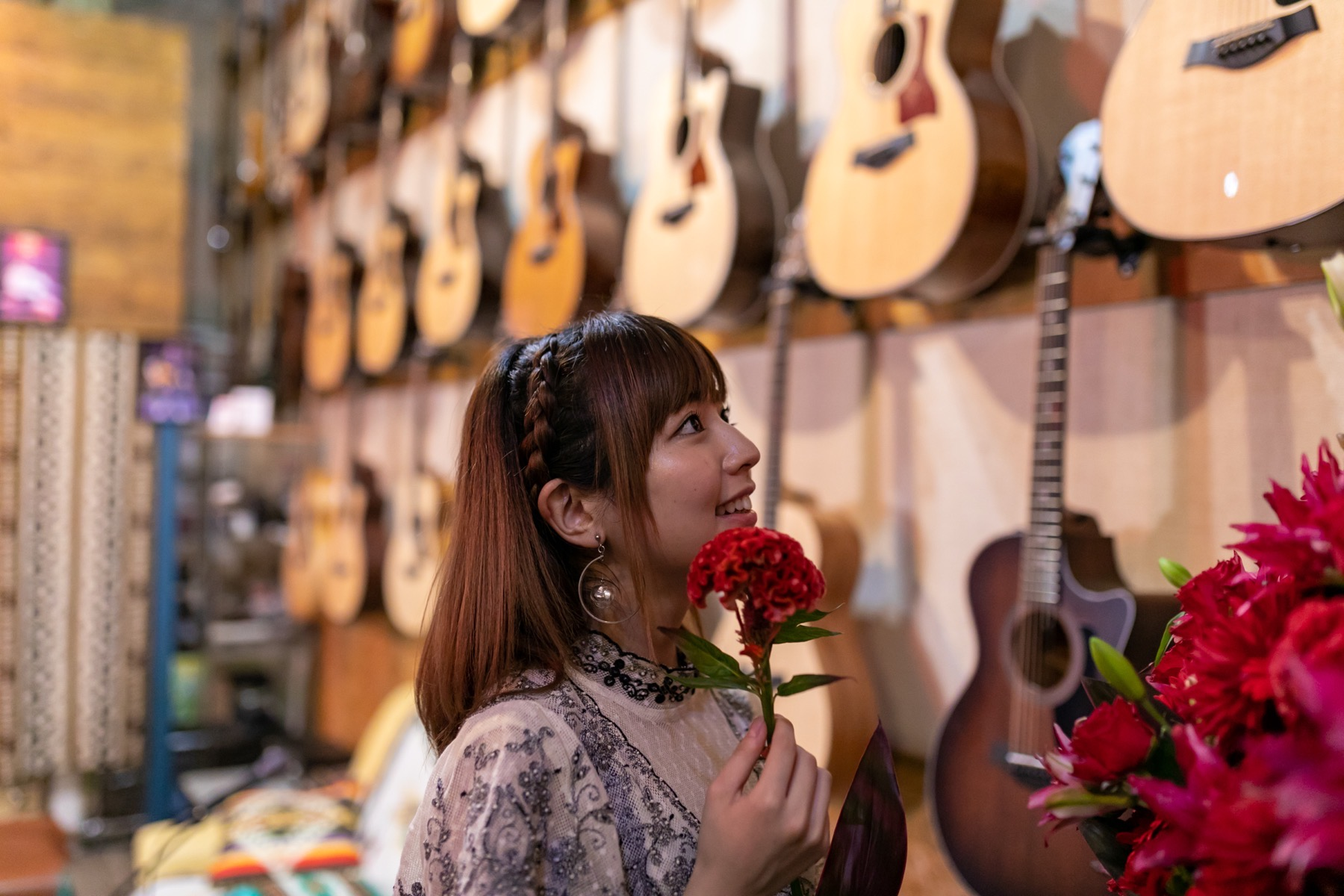 "Maaya Takeda was on Taylor Guitars Roadshow ""Home Edition"""